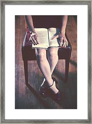 Reading Framed Print by Joana Kruse