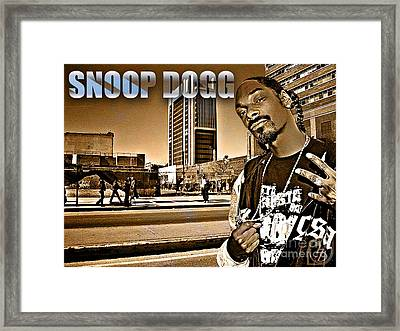 Street Phenomenon Snoop Dogg Framed Print by The DigArtisT