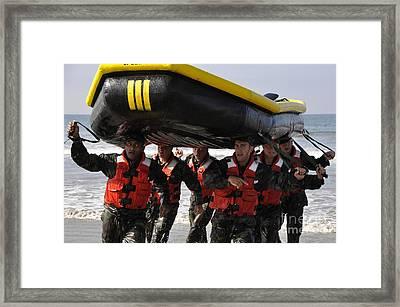 Students In Basic Underwater Framed Print by Stocktrek Images