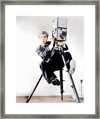 The Cameraman, Buster Keaton, 1928 Framed Print by Everett