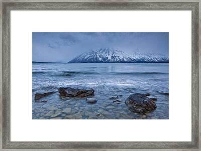 The Shoreline Of Kathleen Lake In Late Framed Print by Robert Postma