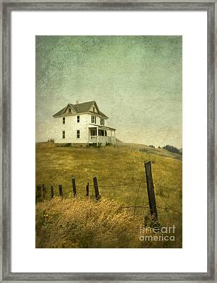 Abandoned Farmhouse Framed Print