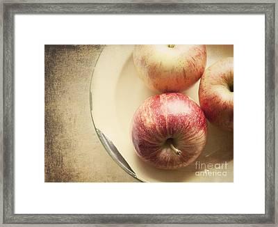 3 Apples Framed Print