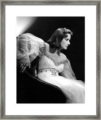 Ninotchka, Greta Garbo, Portrait Framed Print