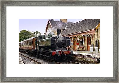 3650 At Upper Arley Framed Print