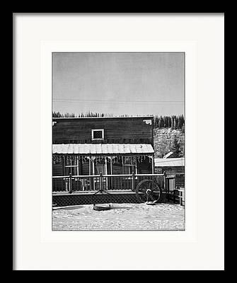 Monochrom Framed Prints