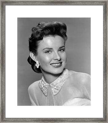 A Blueprint For Murder, Jean Peters Framed Print by Everett