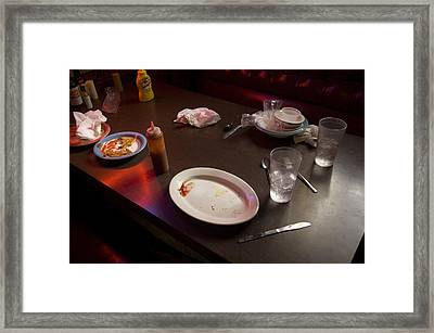 A Brother And Sister Eat Lunch Framed Print by Joel Sartore