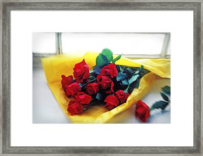 A Dozen Red Roses Framed Print by Garry Gay