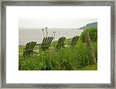 A Place To Relax Framed Print by Paul Mangold