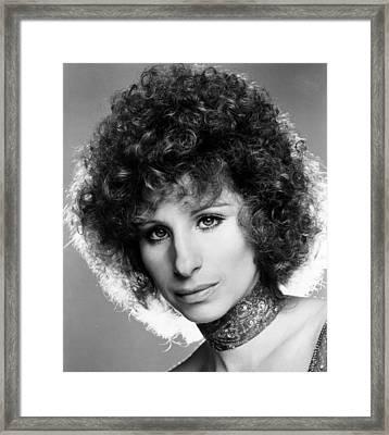 A Star Is Born, Barbra Streisand, 1976 Framed Print by Everett