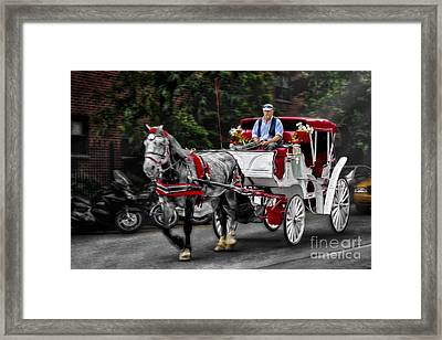 A Stroll Thru The City Framed Print by Susan Candelario