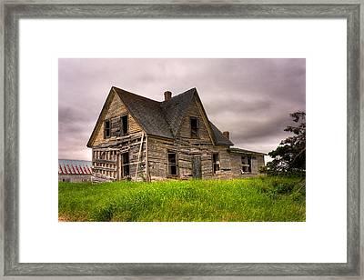 Abandoned Farm House Framed Print by Matt Dobson