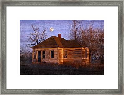 Abandoned Farm House Framed Print by Richard Wear