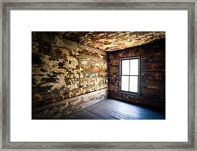 Abandoned Smoky Mountains Farm House - The Window Framed Print by Dave Allen