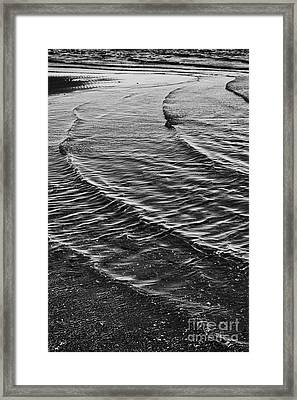 Abstract Waves - Black And White Framed Print by Hideaki Sakurai