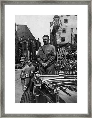 Adolf Hitler At Parteitag Der Freiheit Framed Print by Everett