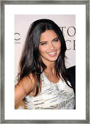 Adriana Lima At Arrivals For 2009 Framed Print by Everett