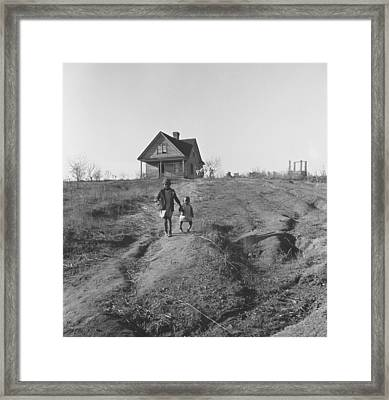 African American Children Walk Framed Print by Everett