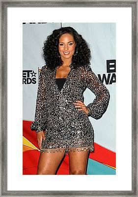 Alicia Keys In The Press Room For 2009 Framed Print