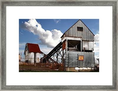 Alive And Well In America . The Old Industrial Sand Plant In Berkeley California . 7d13952 Framed Print by Wingsdomain Art and Photography