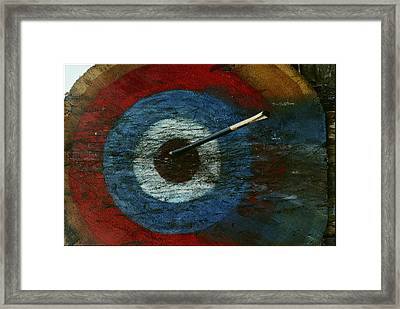 An Arrow Hit The Bullseye Framed Print by Sam Abell