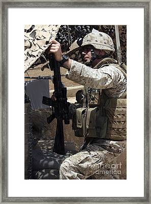An Infantryman Talks To His Marines Framed Print by Stocktrek Images