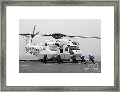 An Mh-53e Super Stallion Helicopter Framed Print by Stocktrek Images