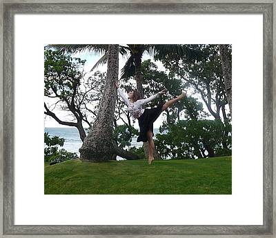 Arabesque In The Palms Framed Print by Lena Ulses