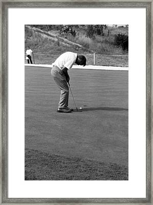 Arnie Putts At 1964 Us Open At Congressional Country Club Framed Print by Jan W Faul