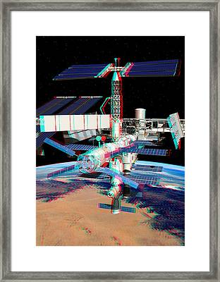 Atv Boosting The Iss, Stereo Image Framed Print