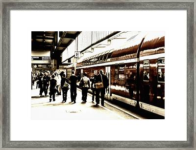 Back To Home Framed Print by Gabriel Calahorra