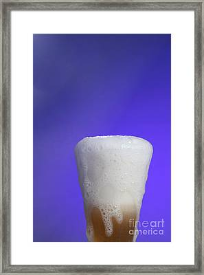 Baking Soda Reacting With Vinegar Framed Print by Photo Researchers, Inc.
