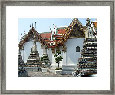 Bangkok Tample Framed Print