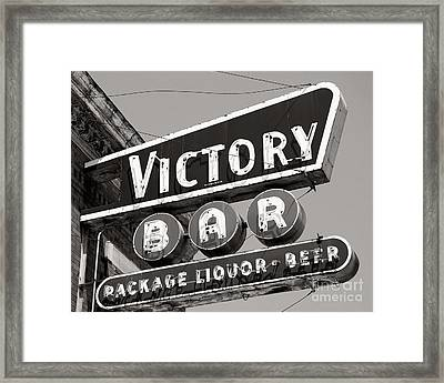 Framed Print featuring the photograph Barhopping At The Victory 1 by Lee Craig