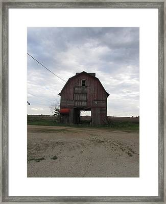 Barn-11 Framed Print by Todd Sherlock
