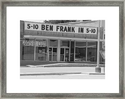Ben Franklin Says Goodbye - Bw Framed Print