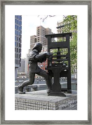 Benjamin Franklin Statue - Philadelphia Framed Print by Christiane Schulze Art And Photography