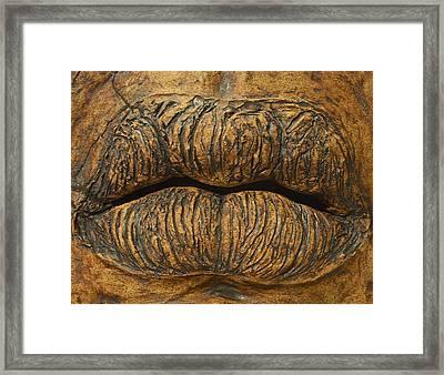 Bisou Framed Print by Thomas Brown