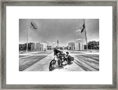 Black And White - Pgr At Houston National Cemetery Framed Print