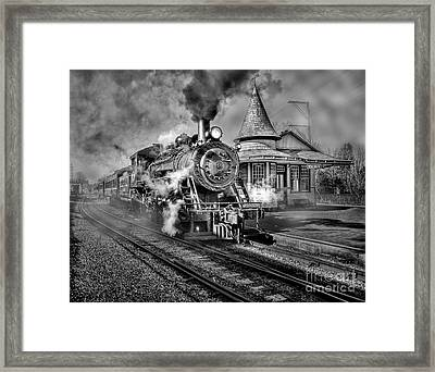 Blowing Off Some Steam Framed Print by Susan Candelario