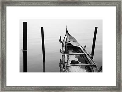 Boat In Venecia Framed Print by Zarija Pavikevik