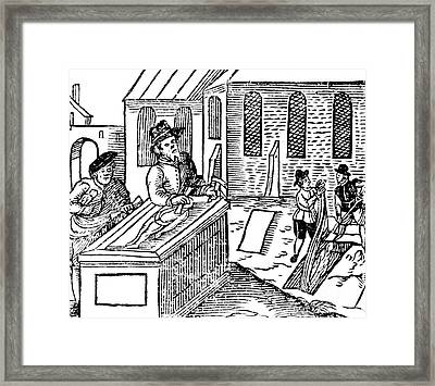 Body Snatching, 1628 Framed Print by Science Source