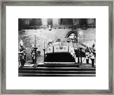 British Royal Family. Coffin Of King Framed Print by Everett