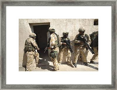 British Troops Training In Iraq Framed Print by Andrew Chittock