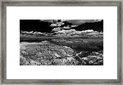 Bryce Canyon Ampitheater - Black And White Framed Print