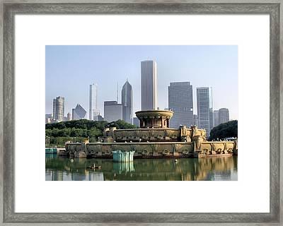 Buckingham Fountain - 1 Framed Print by Ely Arsha