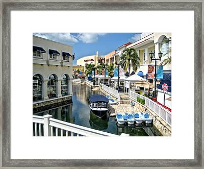 Framed Print featuring the photograph Cancun Shopping by Rob Green