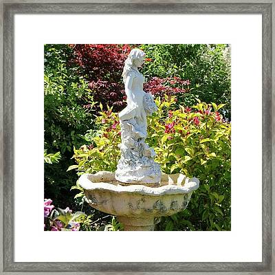 {canon 550d #decorative #statue Framed Print by Paul Petey