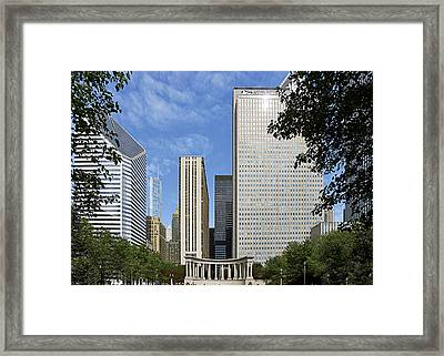 Chicago Millennium Monument And Fountain Framed Print
